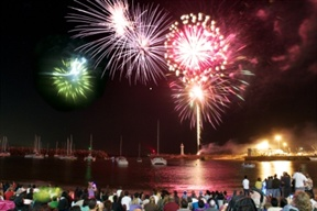 Wollongong will see in the new year with a massive fireworks display over the harbour. PHOTO: Wollongong.com