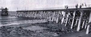 The Bulli Jetty after a section fell into the sea in 1907
