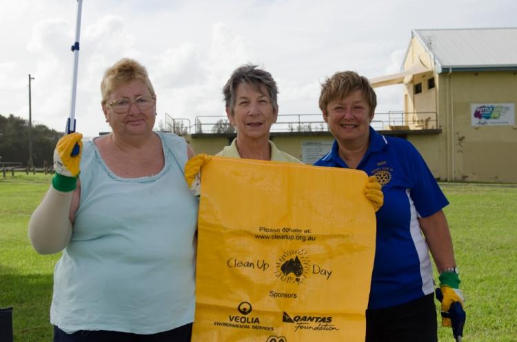 These three locals volunteered at Corrimal Beach on Sunday.