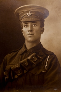 Edward George Chamberlain was born on 18 April, 1893 in Richmond, Victoria.  He was living in Woonona with his family during the time of his enlistment.