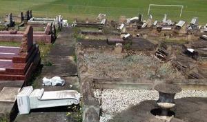 The damage graves at Bulli. Photo: Bronwen Chamberlain (Facebook)