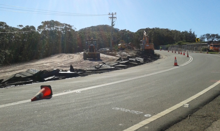 A new roundabout will be built on Lady Wakehurst Drive into the lookout parking area.