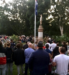 thirroul anzac service 2019 sandon point site 2