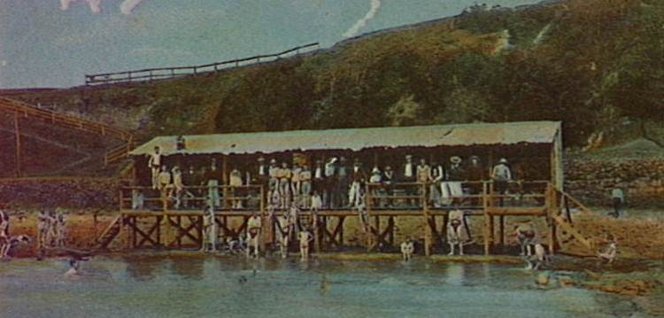 The Wollongong Men's Baths 1910. A popular place for naked bathing.