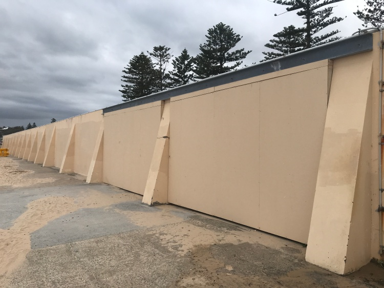 Thirroul-Wall