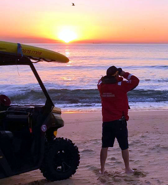 bulli beach surf rescue sunrise