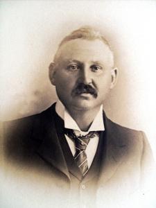 Lancelot Riddle c.1904