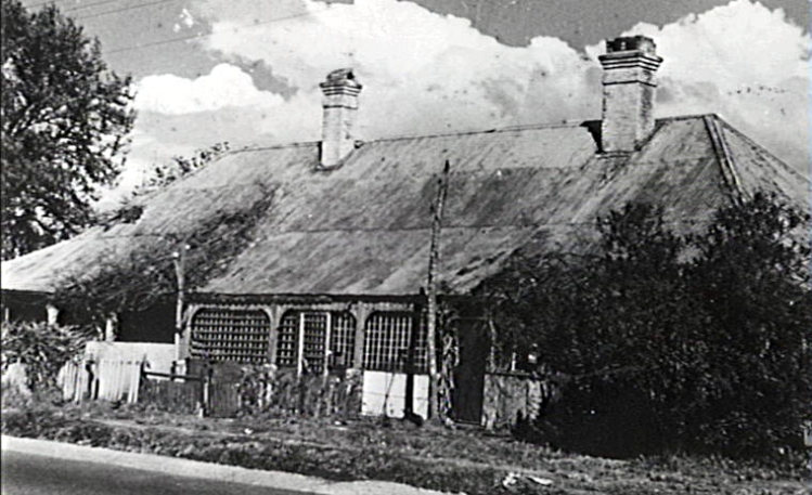 Lysaght's inn, Fairy Meadow, the Illawarra's first licensed pub north of Wollongong. This picture was taken shortly before its demolition to make was for Wollongong High School in the 1960s.