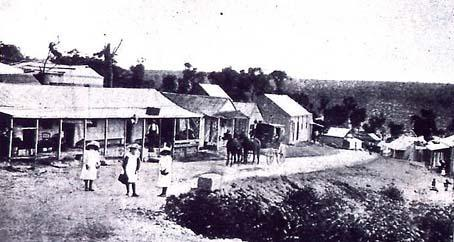 Cataract City's main street 1905