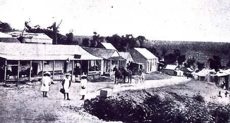 Cataract City's main street 1905