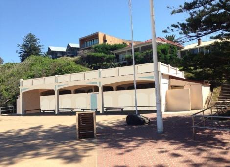 Prefabricated carbon fibre plates to reinforce beach pavilion viewingplatform