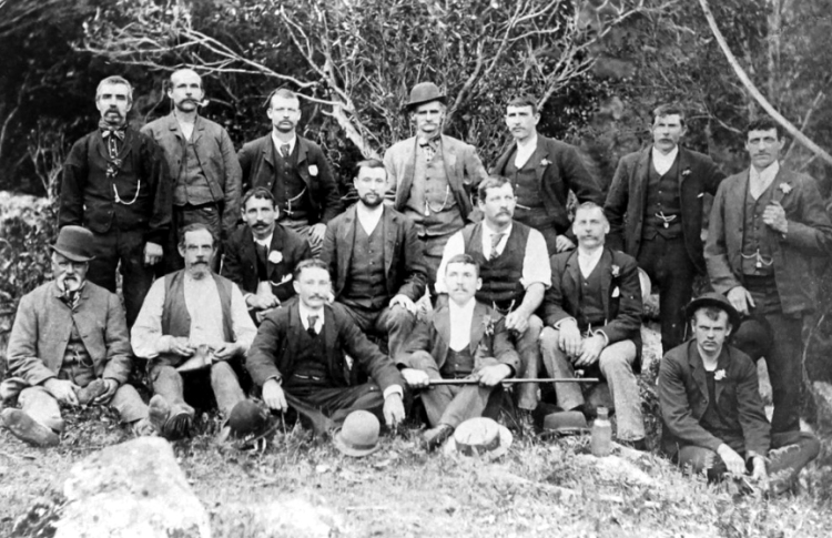 Kembla Heights Workmens Club Committee 1896 UOW